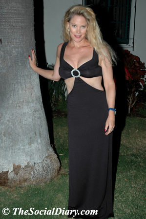 margo schwab in black keyhole gown
